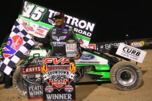 Donny Schatz won the World of Outlaws FVP Outlaw Showdown main feature at the LVMS Dirt Track for the third time in four races on Thursday night.