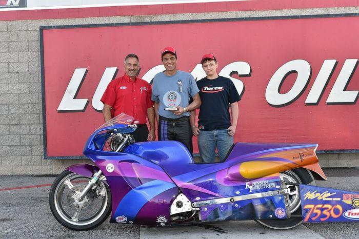 Photo gallery tracks las vegas motor speedway nhra for Charlotte motor speedway drag racing